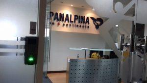 Lắp đặt hệ thống máy chấm công và kiểm soát cửa tại Panalpina