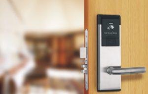 Bảo vệ an ninh cho ngôi nhà với hệ thống khóa cửa thông minh
