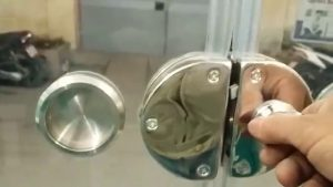 Cách sử dụng của 4 loại khóa cửa kính giúp kéo dài tuổi thọ và độ bền cao