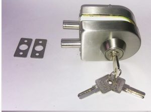 Những điều cần biết về khóa cửa kính lùa chốt bẹt là gì?
