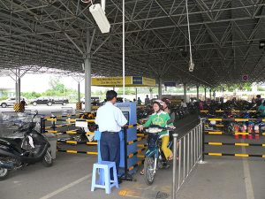 Giải pháp kiểm soát bãi đỗ xe cho nhà máy