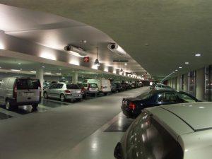 kiểm soát bãi đỗ xe