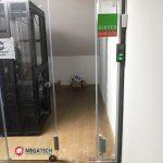Lắp đặt hệ thống kiểm soát cửa lùa kính cường lực cho văn phòng tại hcm
