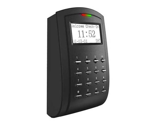 Lắp máy quẹt thẻ từ cho cửa tự động