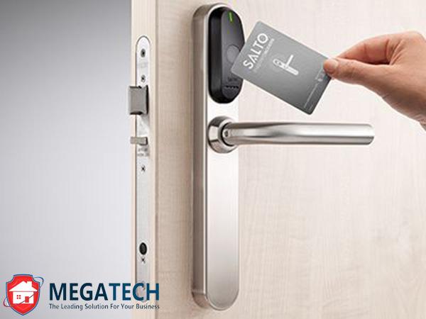Trọn bộ khóa thẻ từ dùng cho khách sạn cao cấp