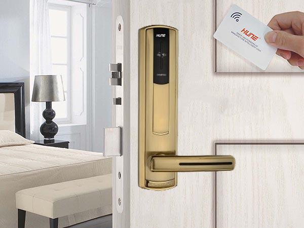 Khóa thẻ cảm ứng dùng cho khách sạn