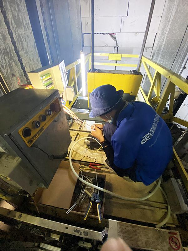 Kỹ thuật cấu hình thiết bị kiểm soát thang máy